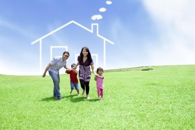Family-Running_House