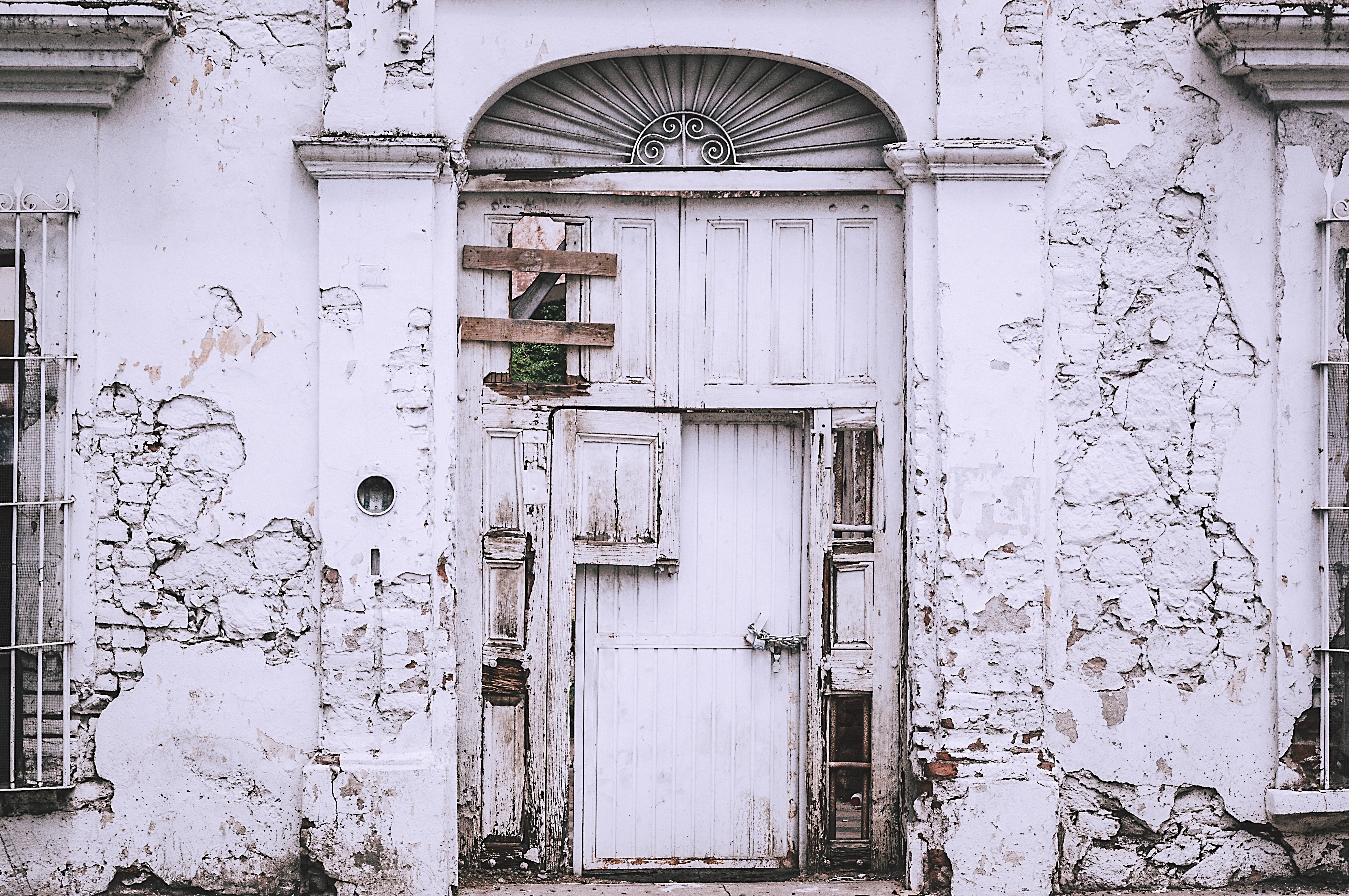 abandoned-antique-architecture-959308