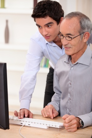 Senior_Son_Computer